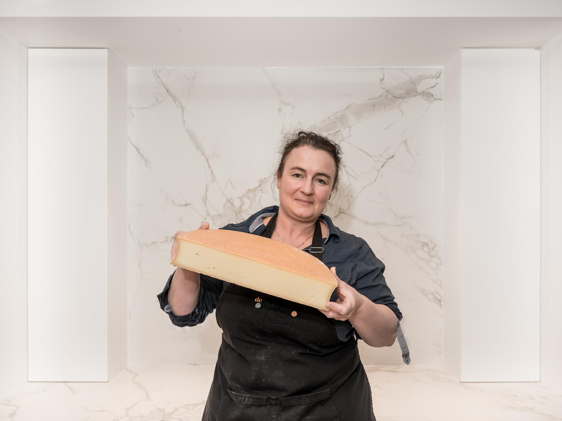 Emilie Jacquot - Productrice d'Abondance Fermier AOP - Marché des producteurs - Restaurant Les Trésoms Annecy